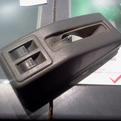 Suzuki Swift Elektromos ablakemelő kapcsoló és kézifék box A 2 kapcsoló és a kézifék box egyben. 10000Ft