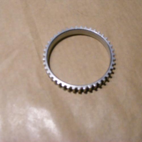 2005-2010 Suzuki Swift, Ignis, Wagon R+ Abs gyűrű Féltengelyre való szegmentált gyűrű. 4900Ft