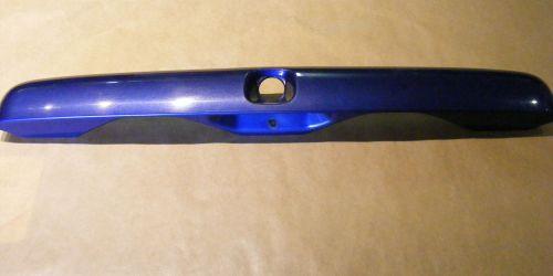 Suzuki Ignis csomagtérkilincs kék színű 83940-86G00-Z7B - Adria kék metál 8000Ft