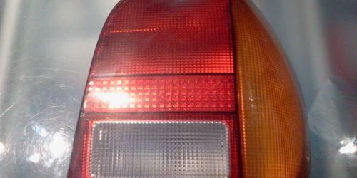 1996 2003 Suzuki Swift Jobb oldali hátsó lámpa (új) TéDé