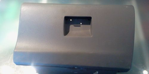 Suzuki Ignis - Kesztyűtartó 73410-86G10-R8J A kilincs / zár nem tartozéka! 3000Ft