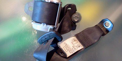 2005-2010 Suzuki Swift - Hátsó biztonsági öv bal oldali Az ár darabár! 84980-62J02-P4Z 10000Ft