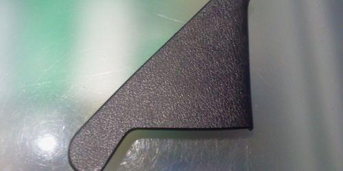 1996-2003 Suzuki Swift - Visszapillantó tükör  jobb oldali belső háromszög műanyag takaró fekete színű 83961-60B00-5PK 1000Ft