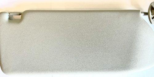 2000-2007 Suzuki Ignis - Napellenző jobb oldali, nem tükrös /Gyári/ Tükör nélküli napellenző Eredeti Suzuki alkatrész: 84801-86G40-6GS 16900Ft