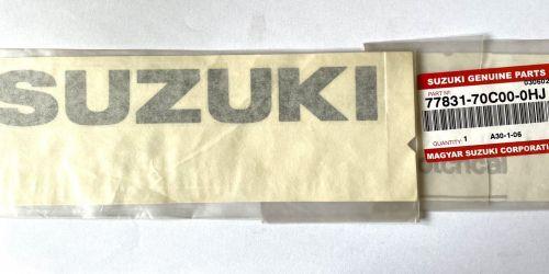 Suzuki matrica, felirat, logó /Gyári/ Eredeti Suzuki alkatrész: 77831-70C00-0HJ 990Ft