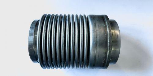 Flexibilis kipufogócső 100x55 Hossza: 100 mm 1. Belső lyukátmérő: 55 mm 2. Belső lyukátmérő: 50 mm 4990Ft